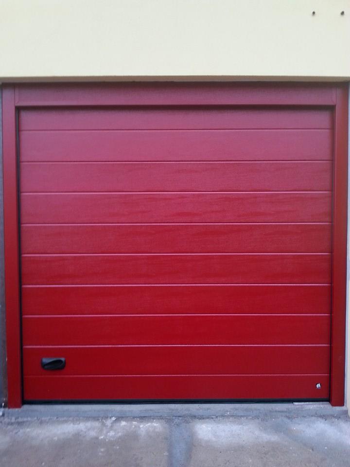 Portoni sezionali per garage matic automazioni for Piani porta garage gratuiti
